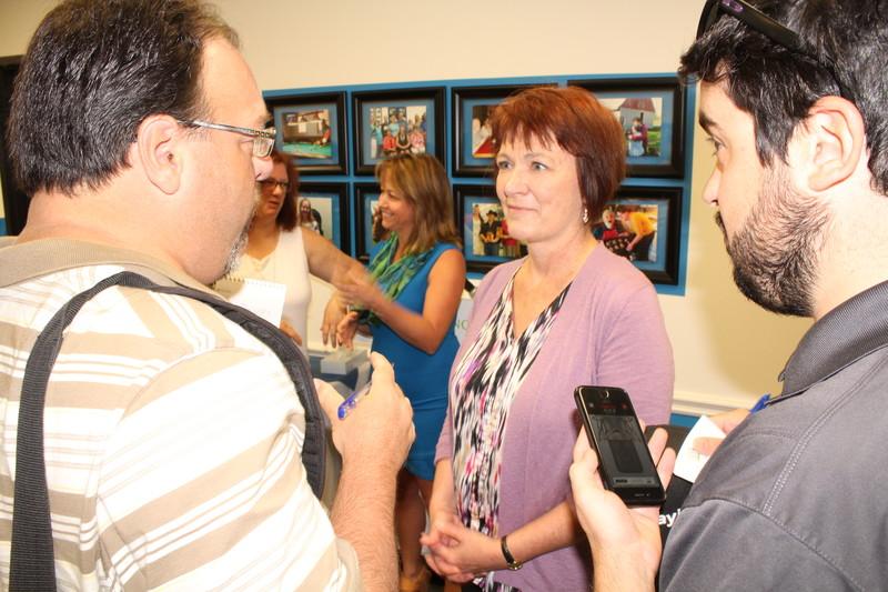<b>Debbie Cavers with Media</b>