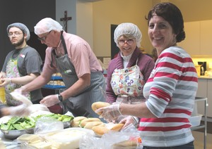 <b>Kitchen Volunteers</b>