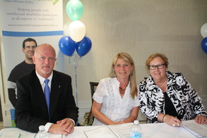 <b>Chris Grayson, Executive Director with Chris Reavie Past President and Shelley O'Malley President of the Board</b>